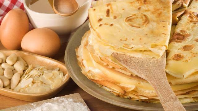 Osez ajouter de la textue à même la pâte à crêpes (amandes effilées, zestes d'agrimes) et les gouts (cannelle, Cointreau...).